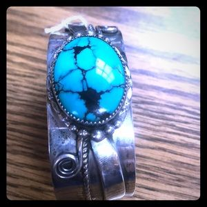 Jewelry - Damele blue spider gem bracelet